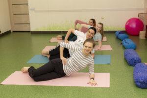Послеродовая йога